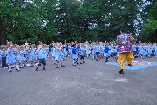 Indian Dancing 22